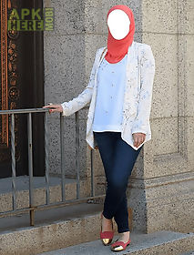 hijab selfie - blue jeans